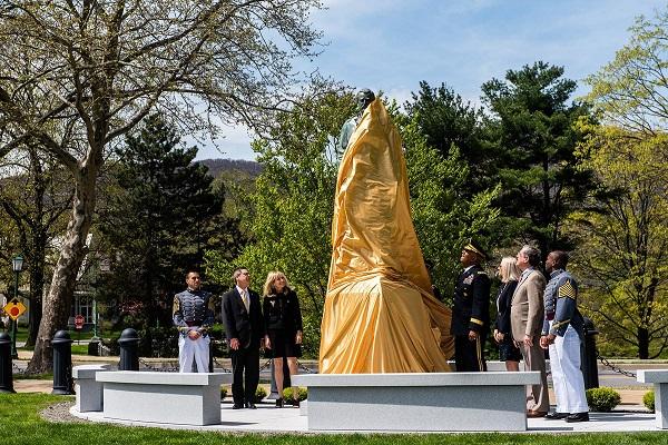 USMC Grant Statue Ceremony