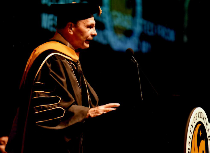 Robert McDonald UCF Commencement