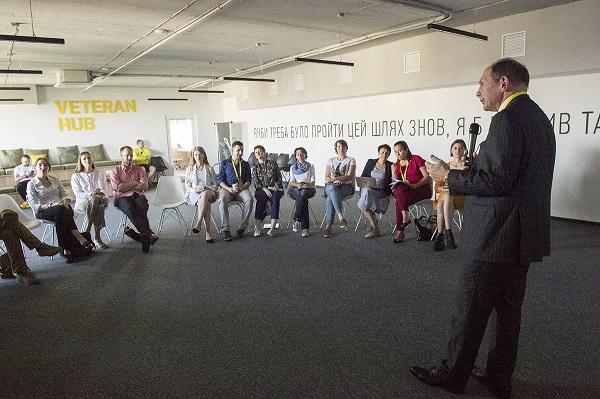 Bob Speaking at Veteran Hub