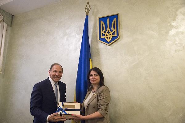 Bob With Minister of Ukraine VA